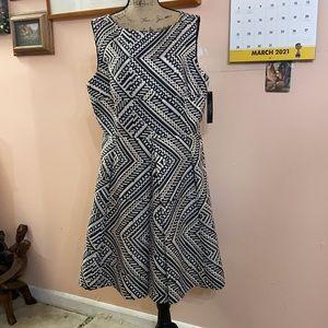 Plus size Tahari dress